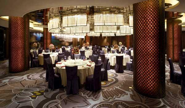 作品独有的设计策划,市场定位:   岷山饭店的改造方案力求将巴蜀文化