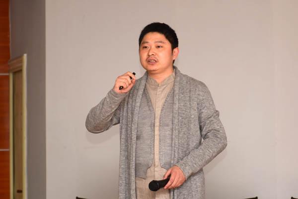 设计的前后左右     郑州大学副教授李朝霞博士和